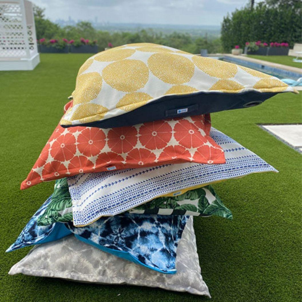 laze-pillow-lawn