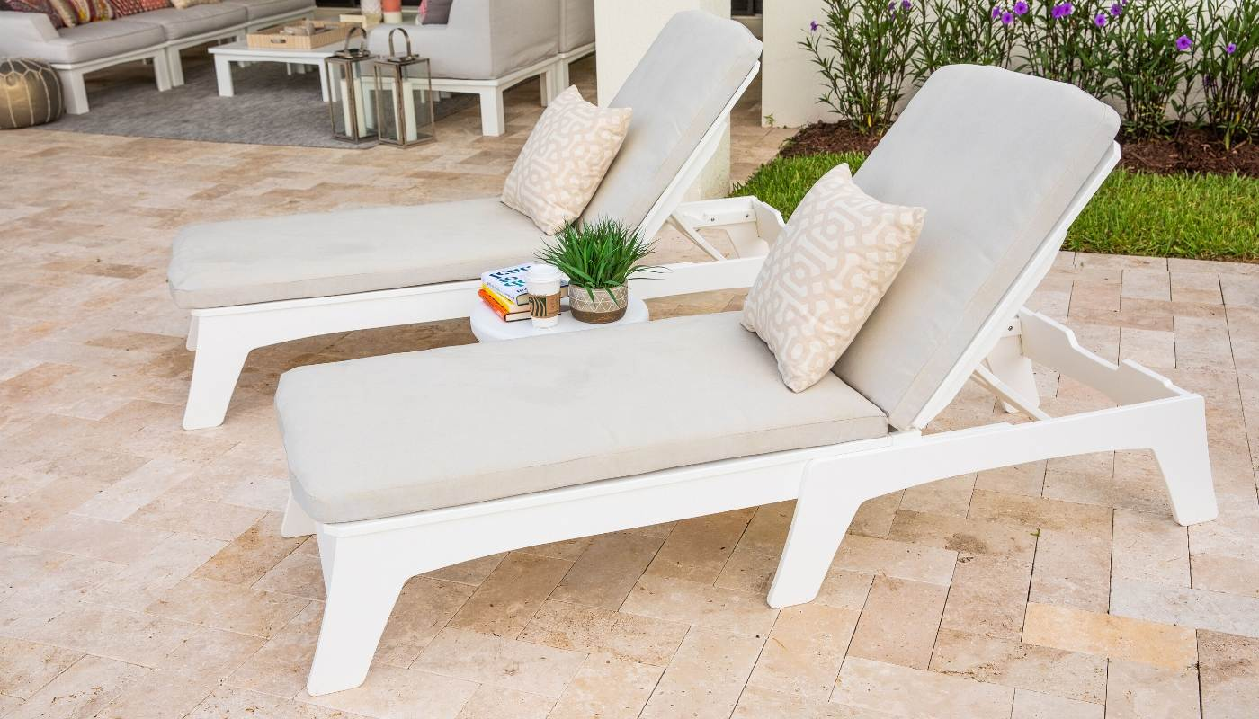 ledge-lounger-mainstay-chaise-pool