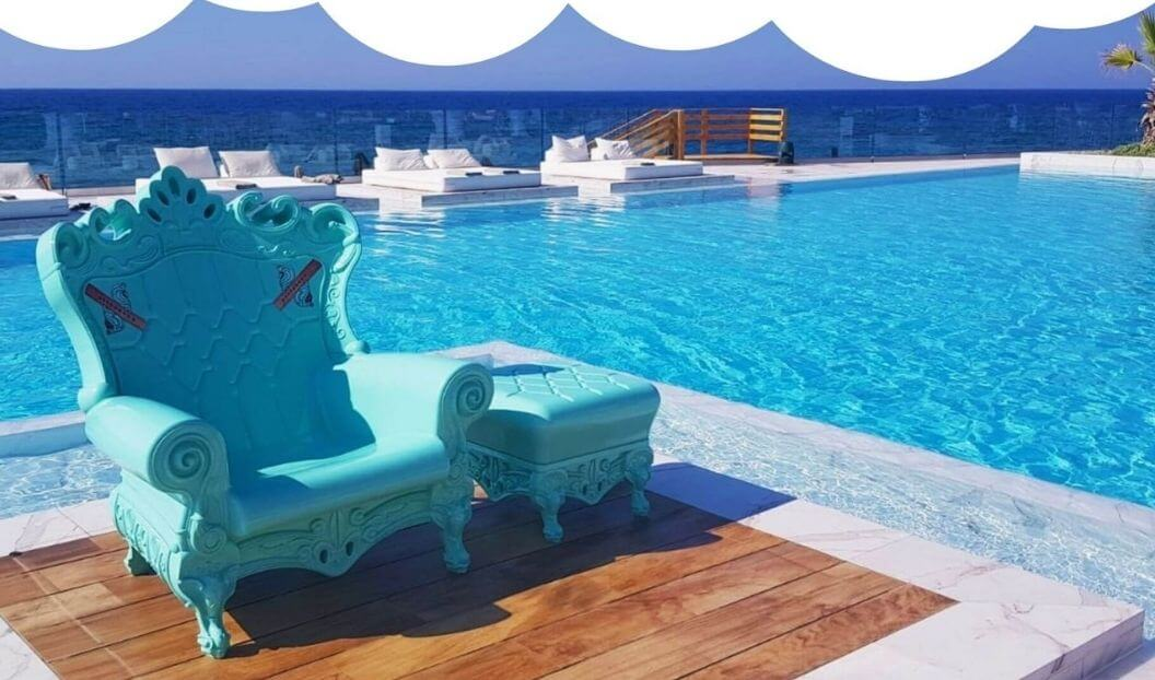 light-blue-queen-of-love-armchair-by-pool