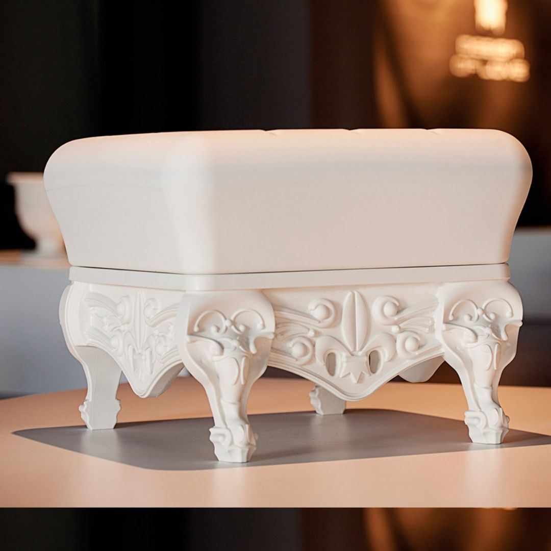 little-prince-of-love-stool