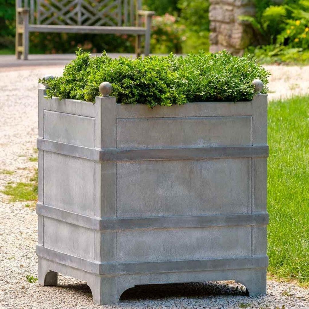 manoir-zinc-planter-outdoors