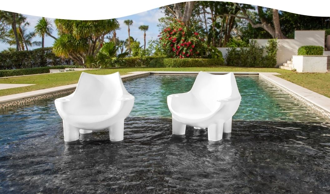 mibster-lounging-chairs-in-white-in-pool