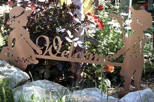 Metal Art Boy and Girl Garden Welcome Sign