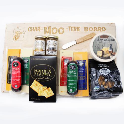 Heart of Wisconsin Char-MOO-terie Board Gift Set