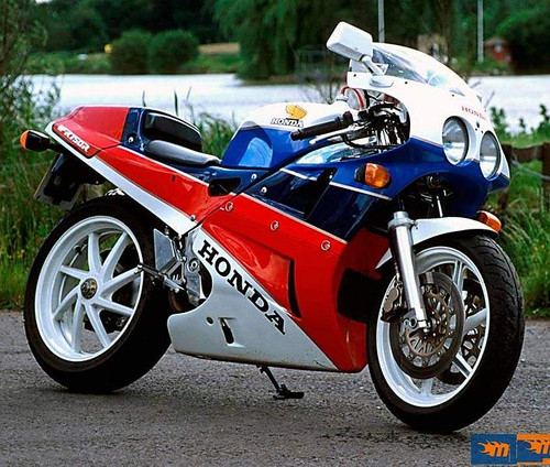 HONDA VFR750R RC30 1988-1992