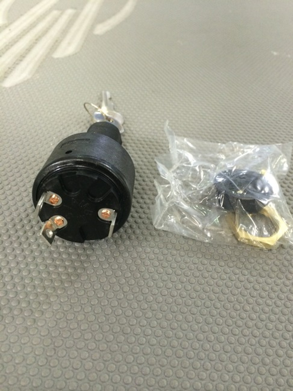 IGNITION STARTER SWITCH / 2007 & PRIOR *In Stock & Ready To Ship!
