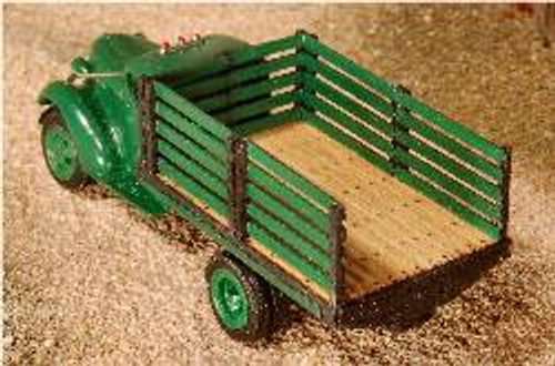 HO-SCALE TRUCK BED (STAKE)