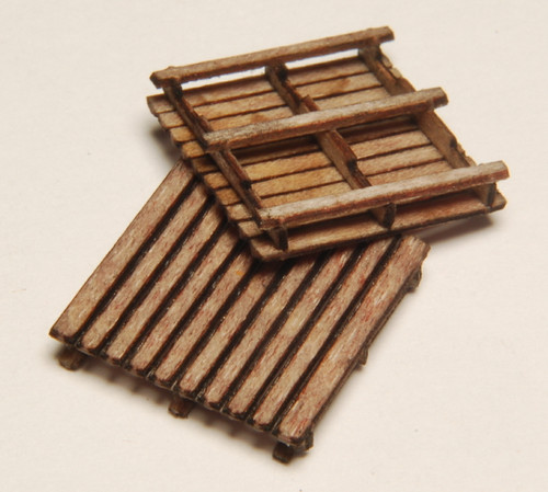 HO SCALE PALLETS-2 24-PACK