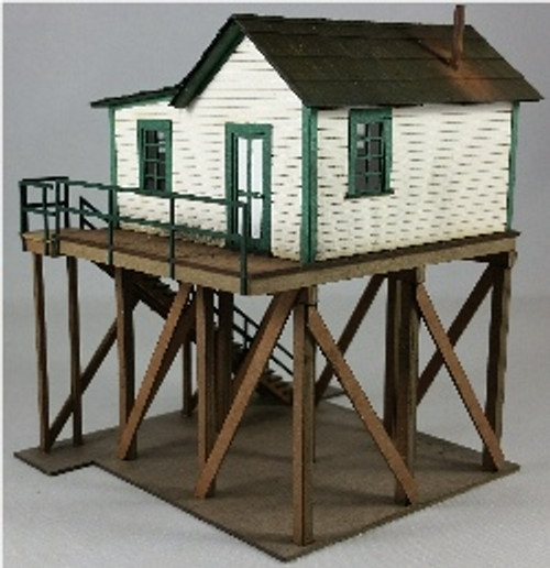 HO-SCALE OFFICE FOR ICE SHED