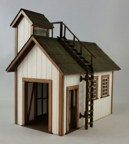 39105 - O-SCALE DOCK SHED