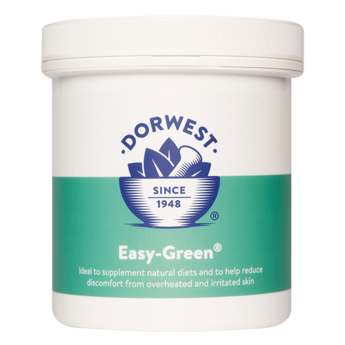 Dorwest East Green Powder contains a blend of green foods including spinach, parsley and watercress for natural feeding and to combat overheating for dogs and cats.