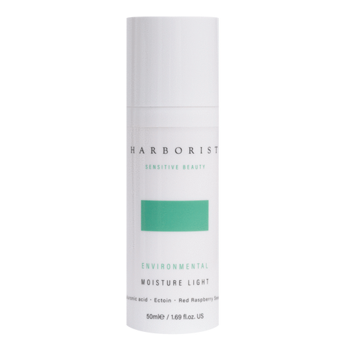 A beautifully lightweight facial hydrator for sensitive and dry skin, Harborist Environmental Moisture Light delivers enhanced cell protection against external aggressors.
