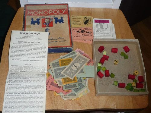 Patentented 1935 Monopoly Game Parker Brothers, No Board, 1961 edition