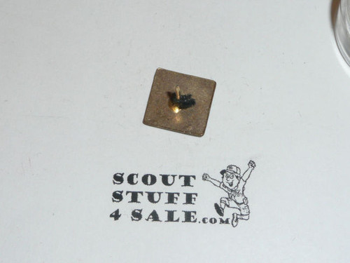 OLD Non USA boy scout pin, OLD Queen/King Scout, May be British, PC13