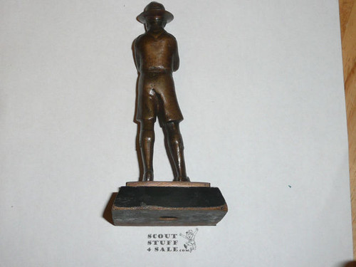 """1935 Presented Bronze Boy Scout standing figurine, 5"""" tall, Great detail"""