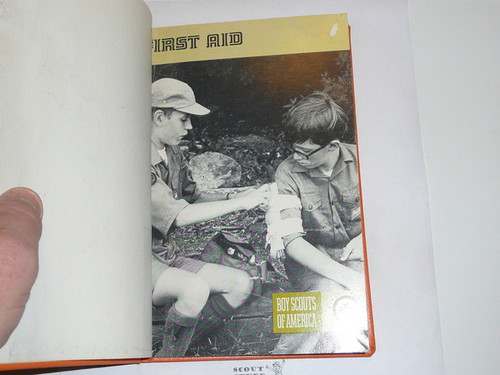 First Aid Library Bound Merit Badge Pamphlet, Type 8, Green Band Cover, 3-76 Printing