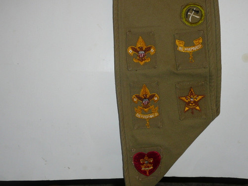 1940's Boy Scout Merit Badge Sash with 22 Tan Crimped Merit badges and rank patches, #54