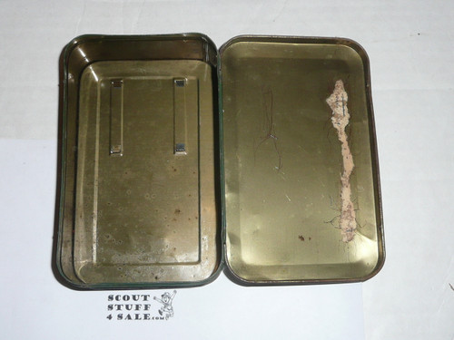 1930s girl scout first aid tin, some wear see images, no contents