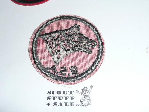 Wolf Patrol Medallion, Felt w/BSA black/White ring back, 1940-1955, lite use