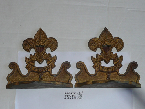 bronze boy scout book ends, heavy, 6.25 wide by 6.25 tall, SINGLE bookend only