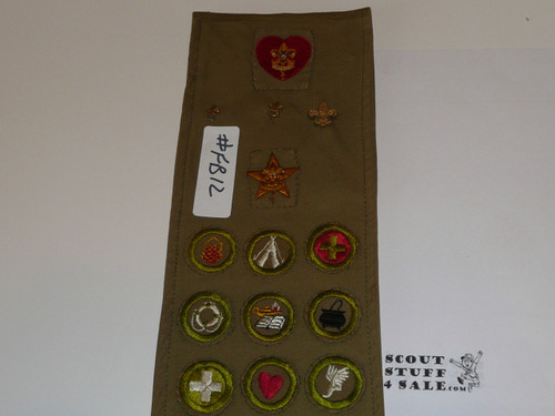 1940's Boy Scout Merit Badge Sash with 22 tan crimped merit badges, 2 early rank patches and some pins, #FB12