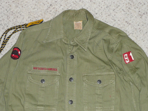 """1940's Boy Scout Uniform Shirt with metal buttons, 20"""" Chest and 28"""" Length, #FB37"""