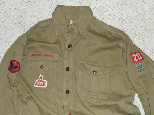"""1940's Boy Scout Uniform Shirt with metal buttons in GREAT condition, 1940 Mt. Baker Felt, 22"""" Chest and 29"""" Length, #FB44"""