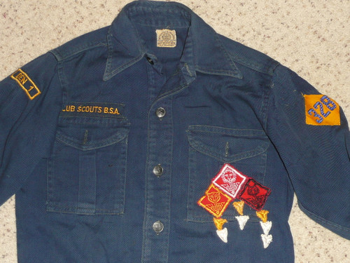 "1940's Boy Scout Cub Uniform Shirt with metal buttons, felt ranks and DIAMOND 328 unit, 16"" chest 23"" length, #FB75"