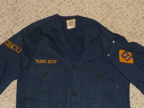 """1950's Boy Scout Cub Uniform Shirt with Felt DIAMOND 9 unit number, 15"""" chest 24"""" length, #FB77"""