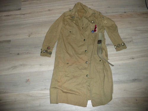 "Teens-1920's Girl Scout Uniform with patches and belt, Metal Buttons, 21"" chest x 40"" length, GS4"