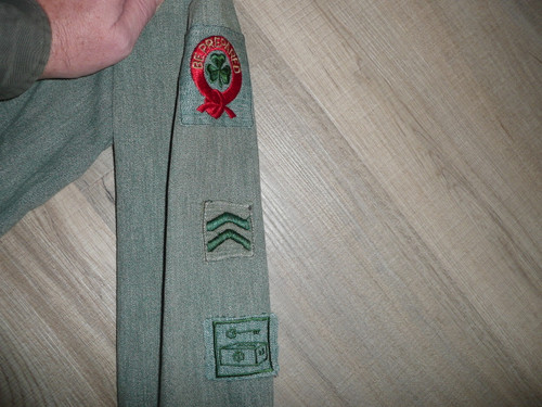 """1930's Girl Scout Uniform with many patches, 20"""" chest x 42"""" length, GS8"""
