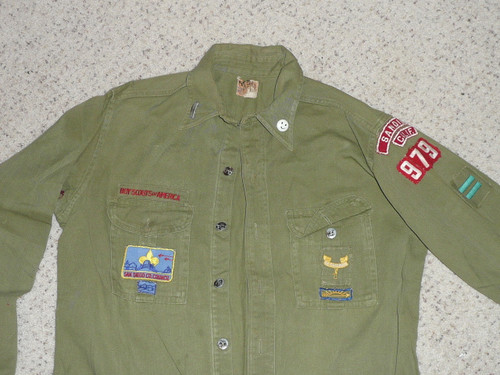 """1950's Boy Scout Uniform Shirt with metal buttons, San Diego RWS and other insignia, 22"""" Chest and 27"""" Length, #BD12"""