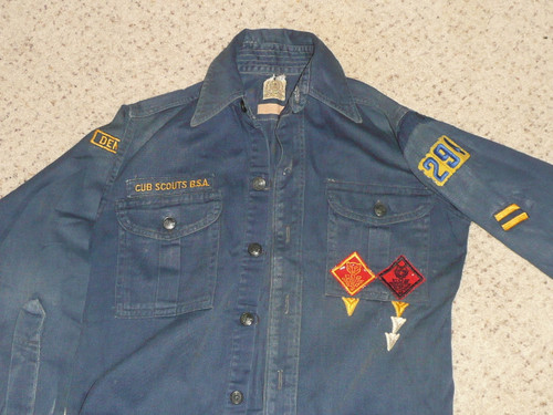 """1950's Boy Scout Cub Uniform Shirt with metal buttons and some insignia, 18"""" chest 23"""" length, #BD35"""