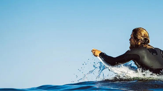 featured-categories-wetsuits2.png