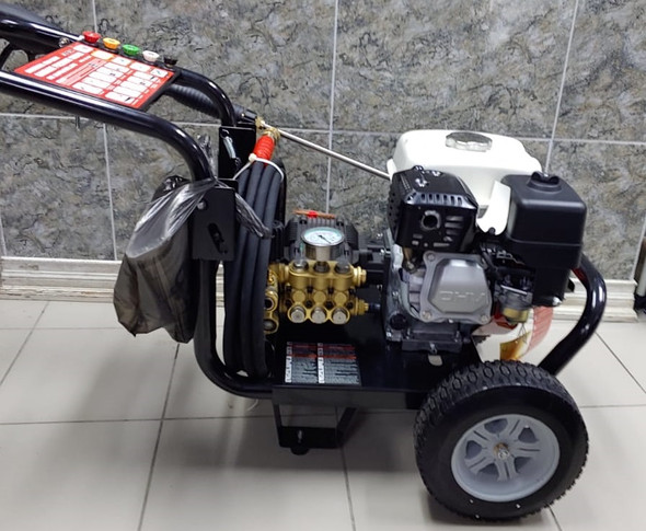 PRESSURE WASHER  HONDA GX 160 3WZ-3000A 3000PSI 3.3 GPM