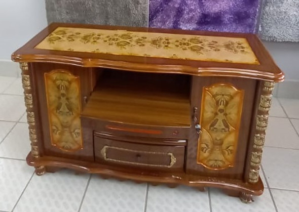 TV STAND WOOD WITH CUPBOARD 8171