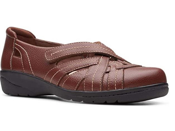 Footwear Clarks Women Cheyn Tulip Loafer Mahogany Leather