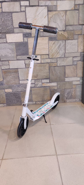 KIDS SCOOTER 2 WHEEL 106 WITH STAND SUMMER SPEED IS LIFE CRAZY RIDER