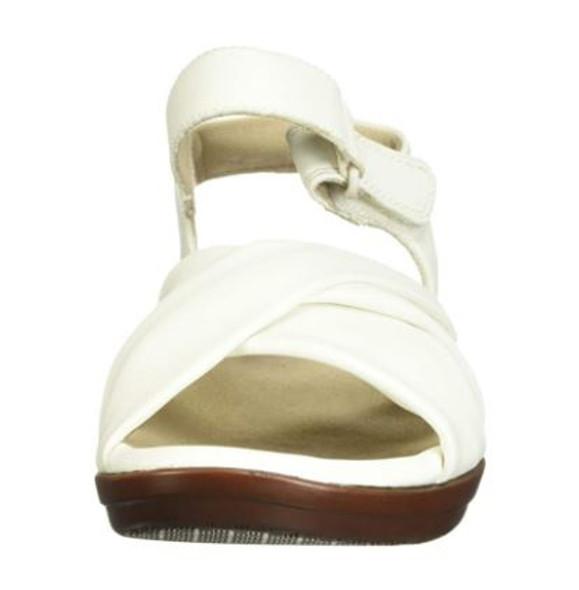 Footwear Clarks Women's Loomis Chloe Sandal White Synthetic
