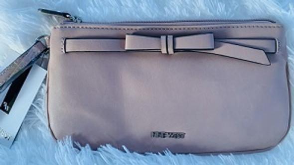 Bag Nine West wristlet Caitlyn