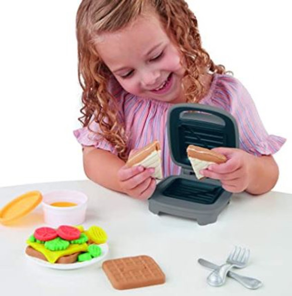 Toy Play-Doh Kitchen Creations Cheesy Sandwich Food Set