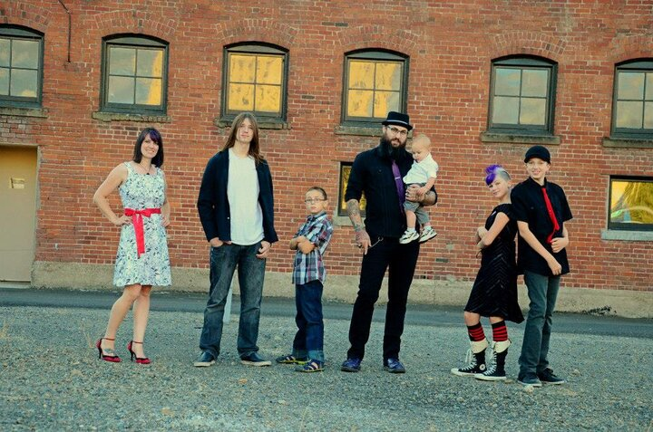 rsz-1awesome-family.jpg