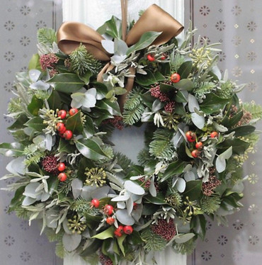 6.Deluxe Door Wreath