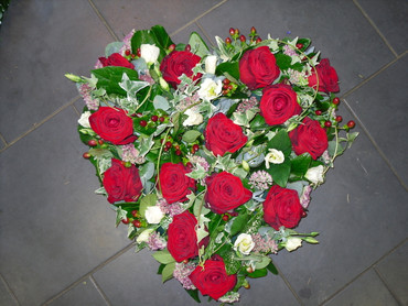 Red Roses Solid heart