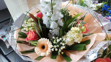 A Seasonal Bouquet full of Seasonal Flowers x
