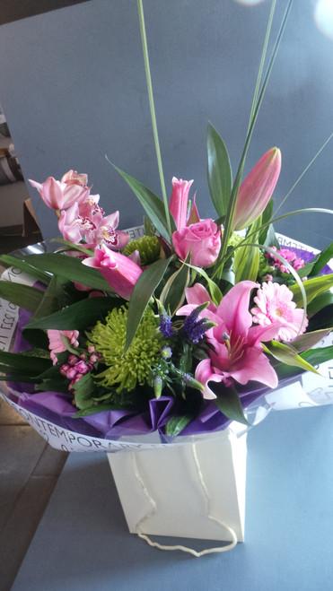 2.Aqua Pack Bouquet