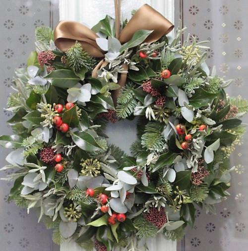 6.Deluxe Door Wreath