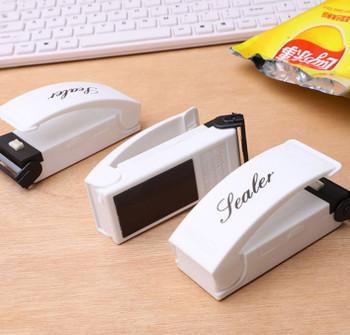 Makineri per Mbylljen e Qeseve me Karikim USB