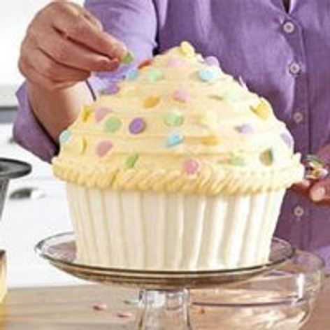 Baking Gifts - ​How to Make a Giant Cupcake