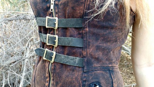 Apocalyptic Black - front straps